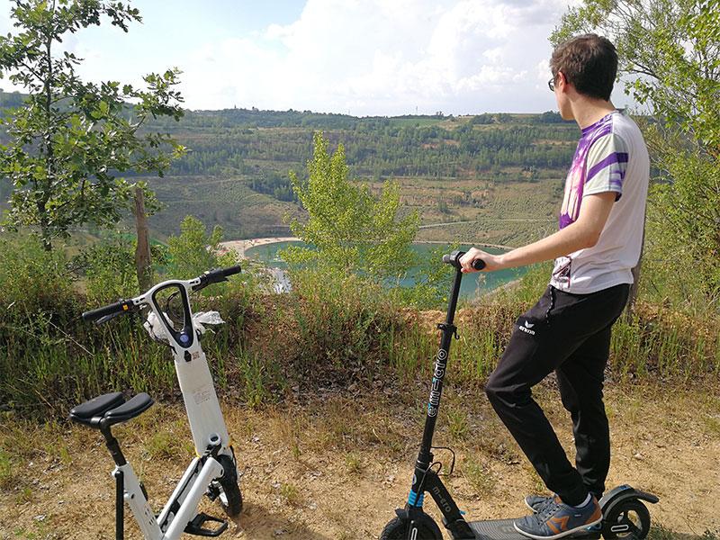 Découvrez la conduite avec une trottinette électrique sur le site de Cap'décourverte en Occitanie